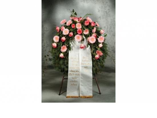 Kranz mit rosa Gerbera u. rosa Rosen